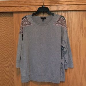 Forever 21- Gray top. Size 2x